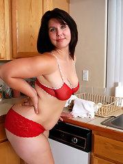 Brunette mature chubby 03