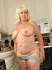 Chubby mature housewife