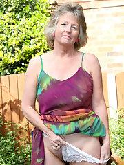 nudes of lesley ann warren
