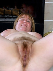 Fat hairy mature nudist foto 19
